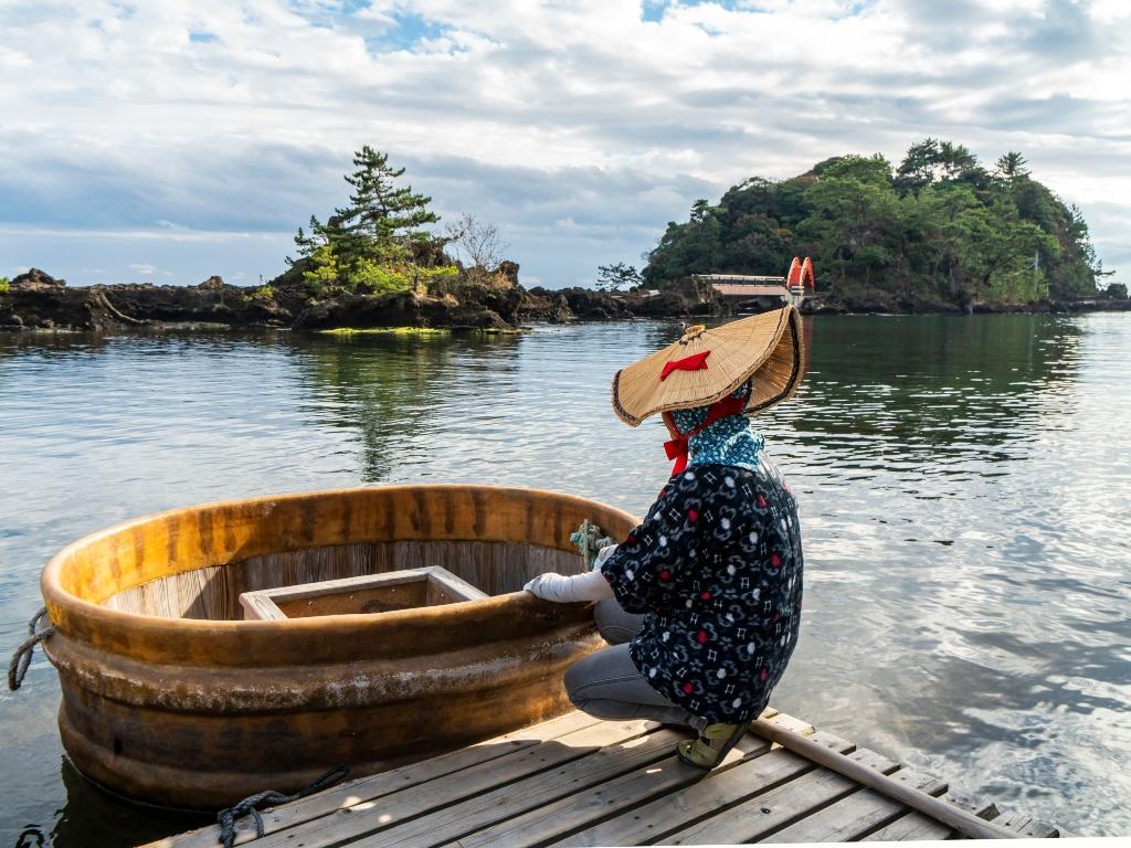 Sado Special Tub Boats / 浴盆小船