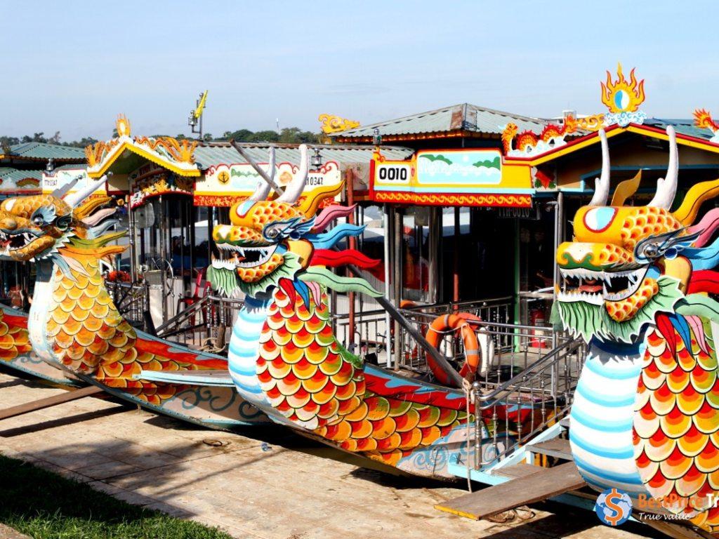 Hue Dragon Boats .jpg