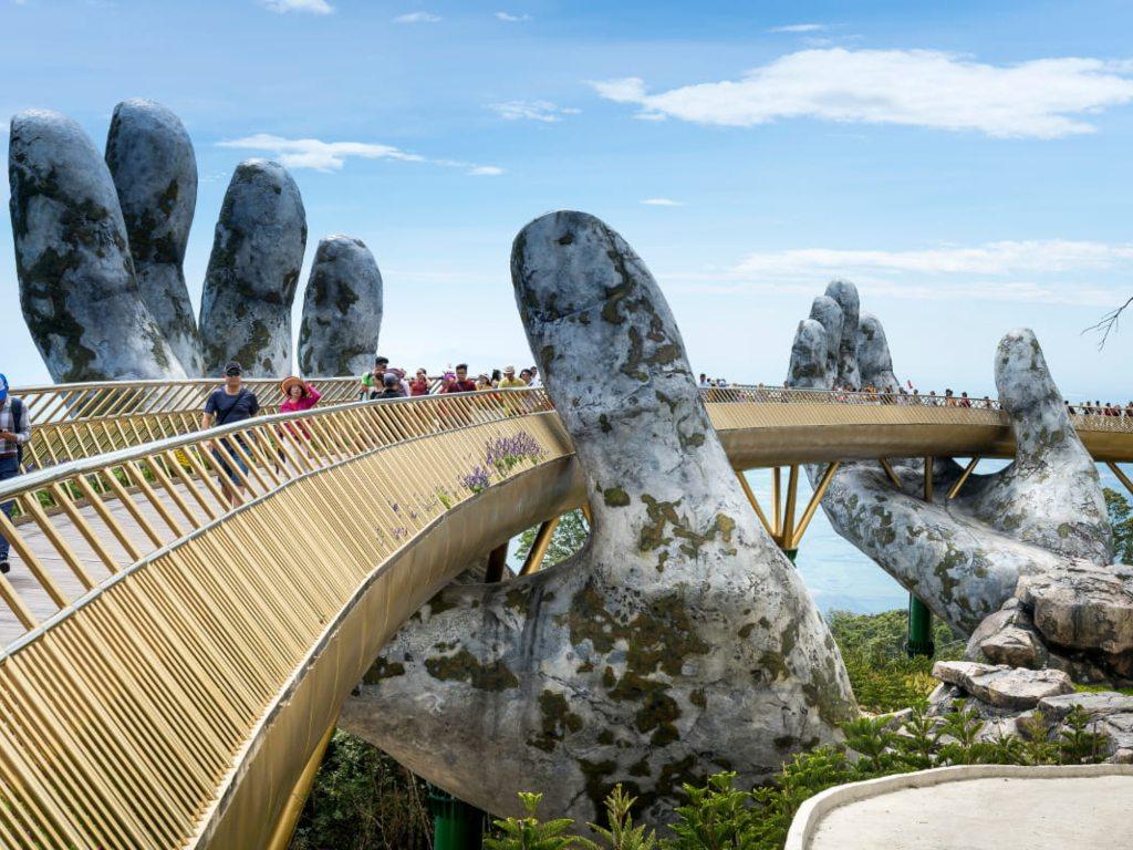 Ba Na Hills - Golden Thread Bridge.jpg