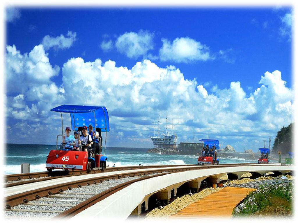 Jeongdongjin Seaside Rail Bike Experience (正东津铁路自行车体验)