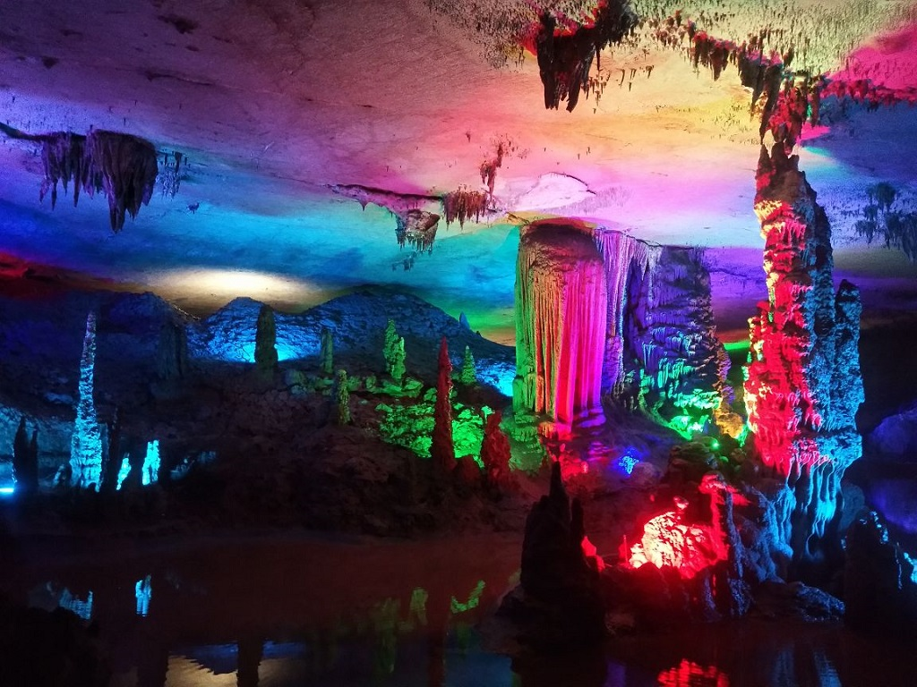 Tiangong Cave 天宫岩
