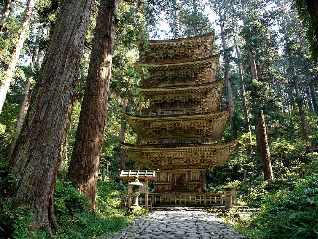 Hagurosan Five Stories Pagoda / 羽黑山与五重塔