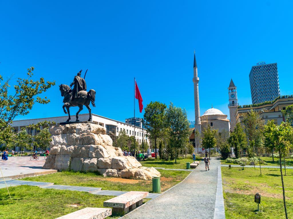Day 08-02  Skanderbeg Square, Tirana (斯坎德培广场,地拉那)