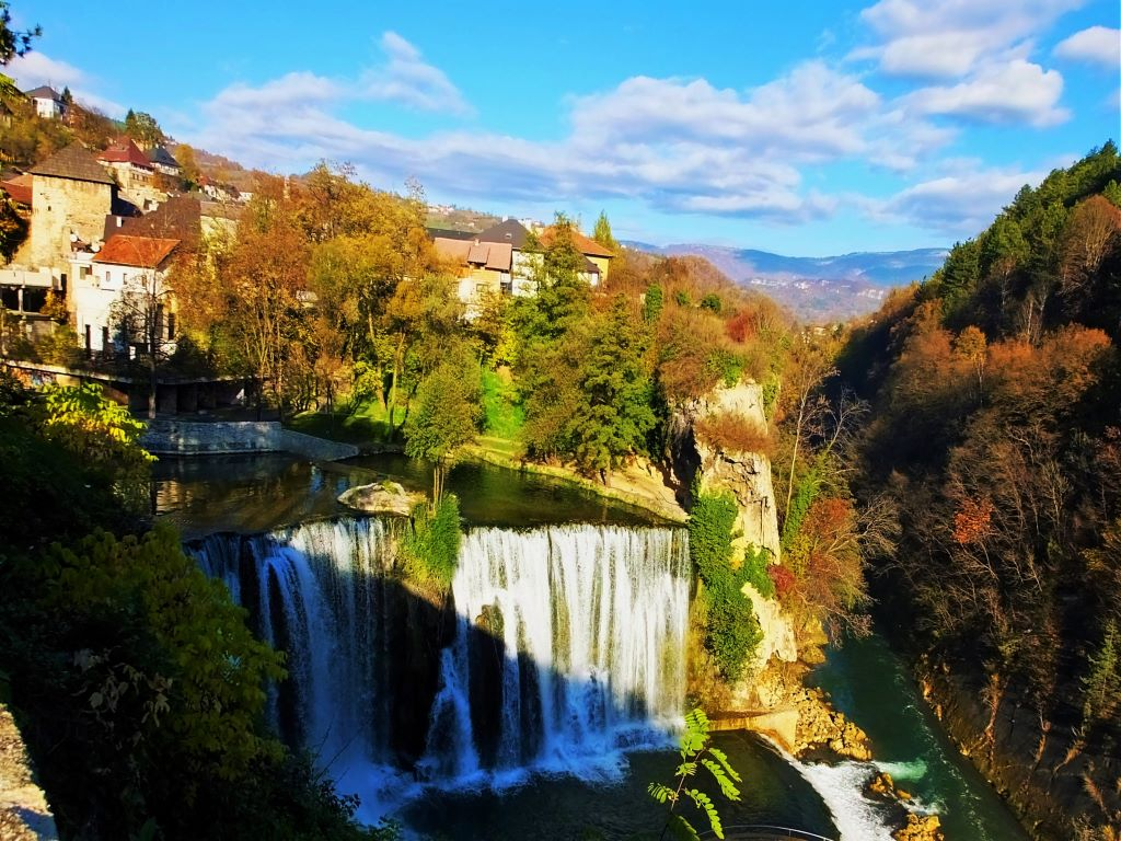 Day 03-11  Pliva Waterfalls, Jajce (普利瓦瀑布,亚依采)
