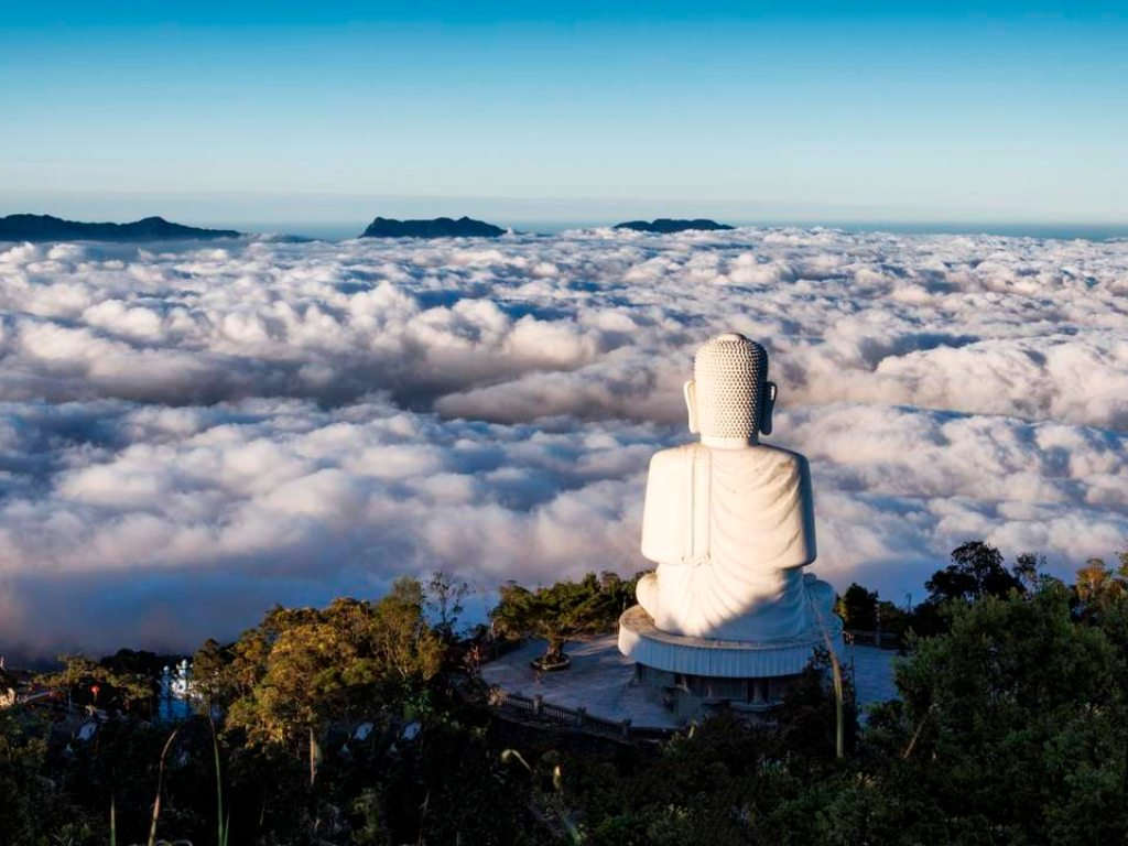 Ba Na Hills Temple.jpg