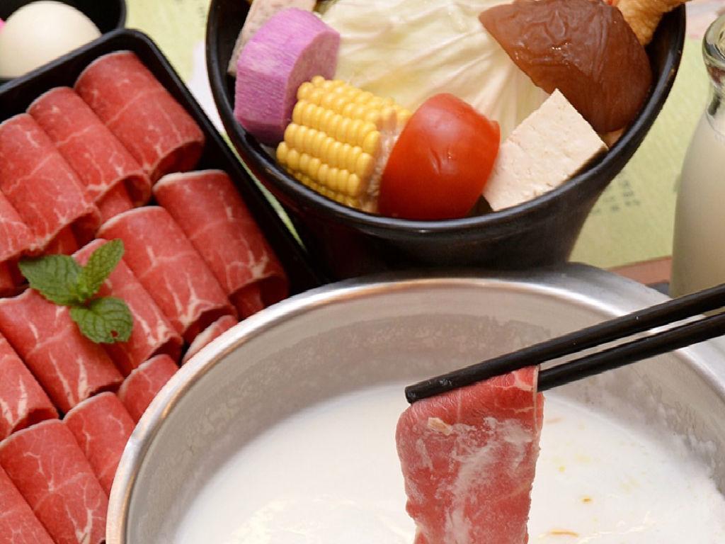 Flying Cow Hot Pot Dinner(牛奶火锅套餐 晚餐).jpg