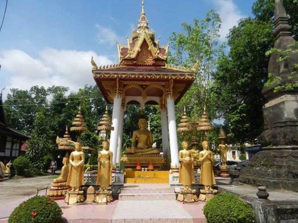 Wat Sisaket Vientiane  .jpg