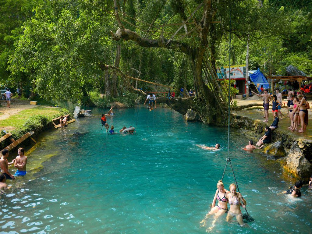 Blue lagoon Tham Phou kham Cave VV 617482835.jpg
